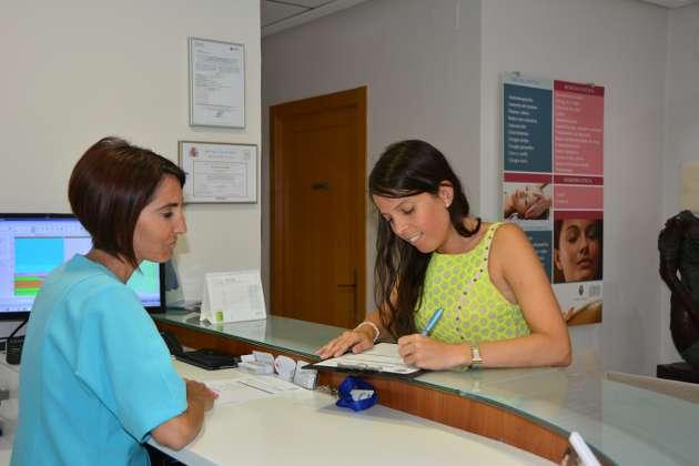 Atención en Recepción clinica estetica Dr Terrén
