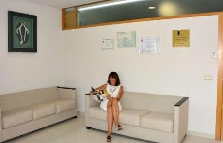 Sala de espera en la clinica estetica del Dr Terrén en Valencia