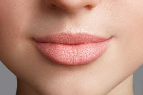lipofilling: aumento de labios en Valencia Dr.Terrén: relleno y perfilado